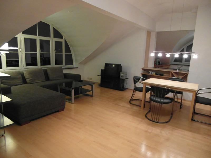 3 zimmer wohnung mit balkon k che und waschmaschine. Black Bedroom Furniture Sets. Home Design Ideas
